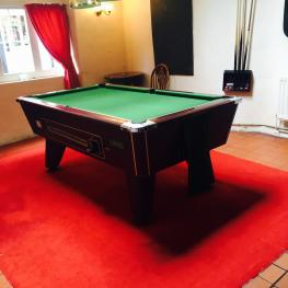 Market Inn Sandwich Pool Table